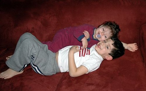 Kids_on_couch_1